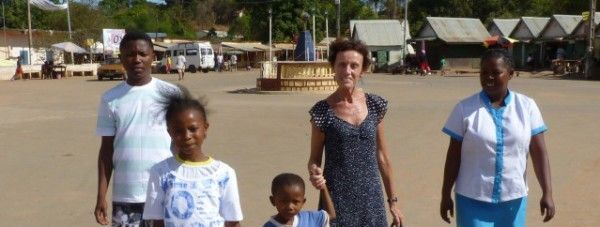 photo_Evelyne_marraine_a_Madagascar