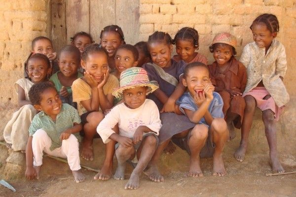 photo_Madagascar_groupe_enfants_Ilena
